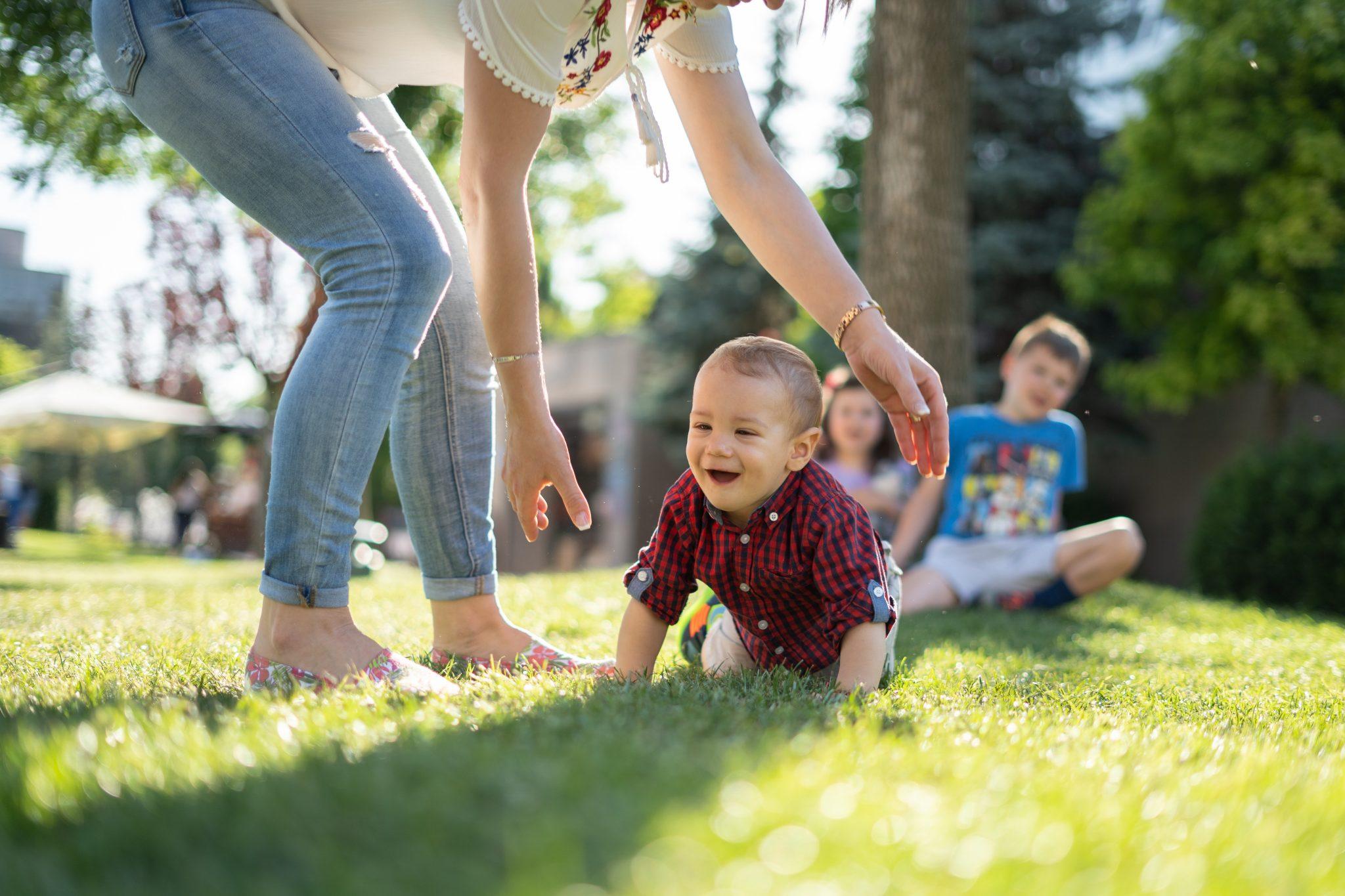 Gespräche beim Babysitten